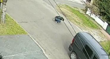 Video impactante: el momento donde los vecinos socorrieron al repartidor asesinado por motochorros