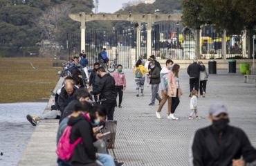 A partir de este Lunes quedan prohibidos los encuentros sociales en todo el país