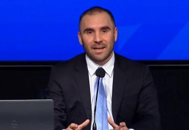 El ministro de Economía reveló que no endurecerá el cepo y que continuará el cupo de U$S 200
