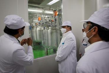 Coronavirus: equipo de la OMS entrevistó a científicos de Wuhan para descubrir origen del virus