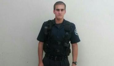 Encontraron muertos a un policía y a su hijo de dos años e investigan si lo mató y luego se suicidó