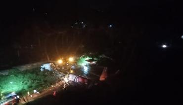 Tragedia aérea en la India: avión se parte en dos tras aterrizar con 191 pasajeros