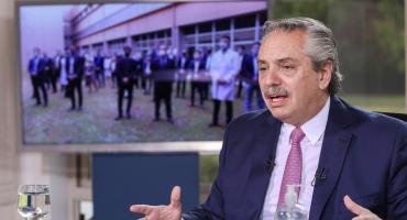 Alberto Fernández anunciará que vacuna de Oxford contra el coronavirus se producirá en Argentina