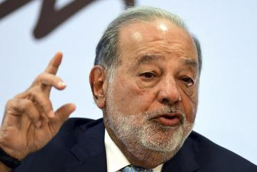 Vacuna de Oxford: el papel de Carlos Slim en su producción y distribución en América Latina