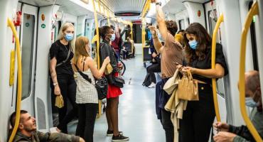 Un estudio realizado por 239 expertos afirma que el coronavirus está en el aire