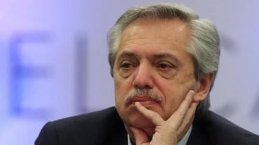 Fernández lamentó la muerte del policia apuñalado y destacó su