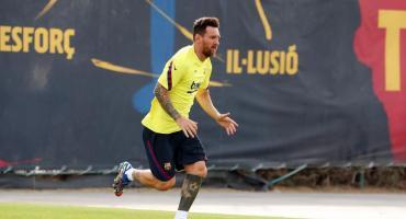 Messi vuelve a entrenarse este lunes con Barcelona tras dejar atrás el conflicto