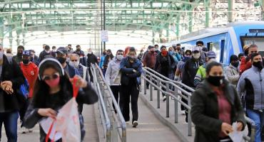 Coronavirus en trenes: en cuatro meses, creció más de ocho veces la cantidad de pasajeros que tomaron contacto con el virus