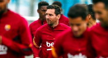 Messi se entrenó junto al resto del plantel del Barcelona