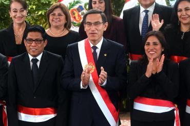 Perú: el Congreso destituyó al presidente Vizcarra