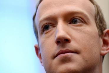 ¿Facebook no puede o no quiere eliminar a los usuarios que incitan al odio?
