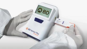 Cómo es el test que permite diagnosticar COVID-19 en 15 minutos