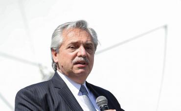 Fernández le sacó por decreto la urbanización de barrios populares a Bielsa y se la dio a Arroyo