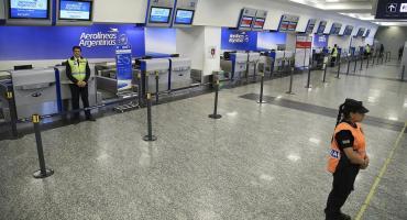 Suspenden venta de pasajes para vuelos al exterior y aumentan 35% los precios por el Súper Cepo