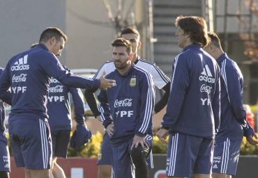 Con Messi y sin Di María, Scaloni dio la lista preliminar de la Selección para Eliminatorias