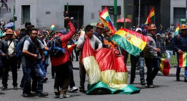VIDEO: violento desalojo de simpatizantes del MAS en Bolivia durante acto de campaña