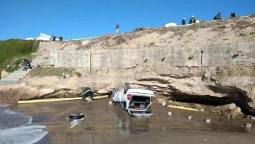 Drama en Mar del Plata: un auto con varios jóvenes cayó desde un acantilado