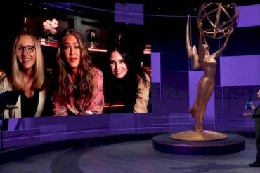 El sorpresivo reencuentro de las actrices de Friends en la entrega de los Premios Emmy
