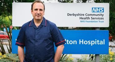 El enfermero español voluntario de la vacuna de Oxford dio positivo para coronavirus
