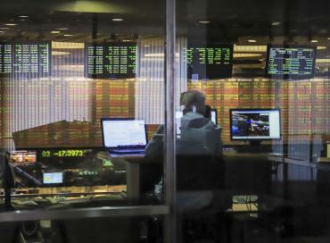 Grupos de bonistas cuestionan el rumbo económico del país: