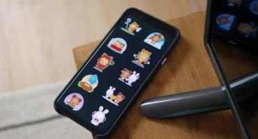 WhatsApp añade 2 nuevos packs de stickers, uno de ellos animado