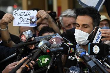 Luque, último médico que atendió a Maradona llegó al velatorio sin barbijo y no hizo declaraciones