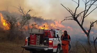 Jujuy: el Servicio Nacional de Manejo del Fuego comunicó que continúan los incendios forestales
