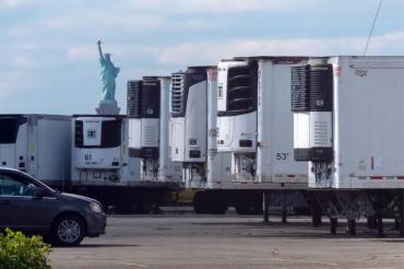 Nueva York: hallan cientos de muertos por coronavirus almacenados en camiones