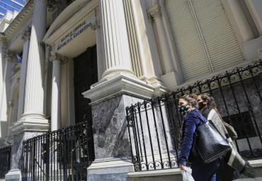 El Banco Central cerrará 2020 con emisión de $2 billones para asistir al Tesoro, según Ecolatina