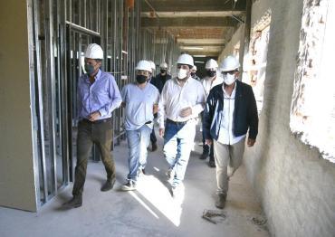 San Martín: el intendente Moreira y el ministro Katopodis visitaron obras del Hospital Municipal Thompson
