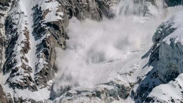 Tragedia en Irán: al menos 12 escaladores muertos por avalanchas de nieve al norte de Teherán