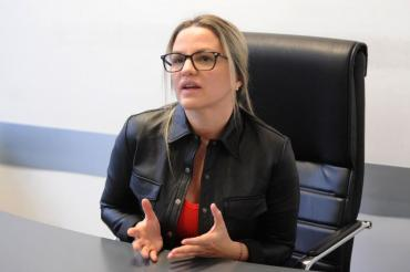 Citaron a declarar como testigo a Carolina Píparo en la causa contra su marido por tentativa de homicidio