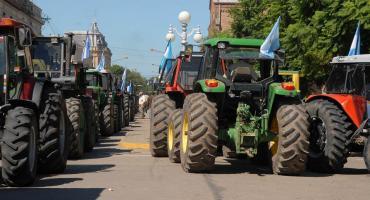 El Gobierno reabrió parcialmente y puso cupo a exportaciones de maíz, pero sigue el paro