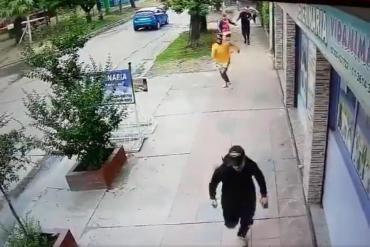 Una patota atacó salvajemente a ladrillazos a un joven que defendió a su amiga de un acoso callejero