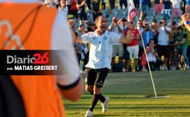 """Matías Perrone, el """"revolucionario de la pelota"""": la historia del campeón del mundo de footgolf"""