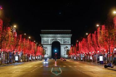 Francia dictó toque de queda nacional y exigirá test negativos de coronavirus a viajeros externos a la Unión Europea