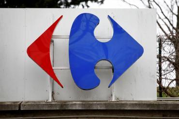 Grupo canadiense Couche-Tard ofreció casi US$20.000 millones para comprar la cadena Carrefour