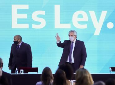 Alberto Fernández promulgó el aborto legal: