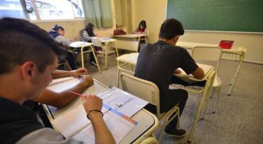 Alrededor del 40% de los alumnos de las secundarias porteñas pasó de año sin haber aprobado las materias