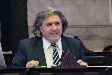 El diputado nacional José Luis Ramón pidió vacunar a los legisladores por ser