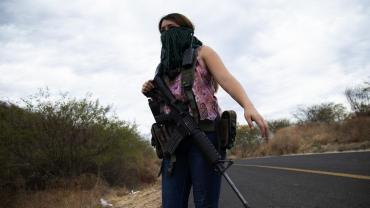 Guerra a los narcos: mujeres armadas para defenderse del Cártel Jalisco Nueva Generación