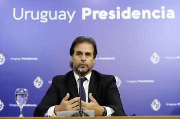 Uruguay anunció acuerdos para la llegada de las vacunas de Pfizer y Sinovac