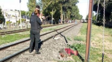 Femicidio: su esposo la arrojó violentamente a las vías y fue arrollada por el tren
