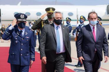 El presidente argentino Alberto Fernández está en Chile en su primera visita de Estado oficial