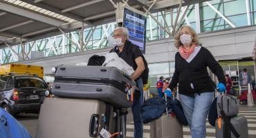 Restricción de vuelos y retorno complicado: hay casi 30 mil turistas argentinos en el exterior