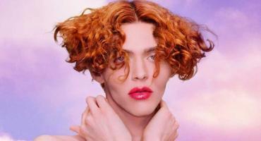 Murió la artista trans SOPHIE tras un