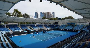 Australia: suspenden el torneo de tenis y aislan a 600 personas