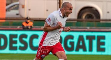 Santiago Silva se presentó en AFA en busca de revertir su sanción por doping y volver al fútbol