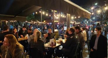 Ciudad extiende horario desde este viernes: bares y restaurantes porteños ya pueden abrir hasta las 2