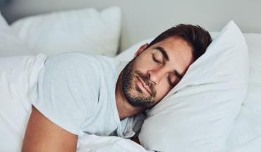 Un sitio web paga 2 mil dólares por dormir en diferentes sitios